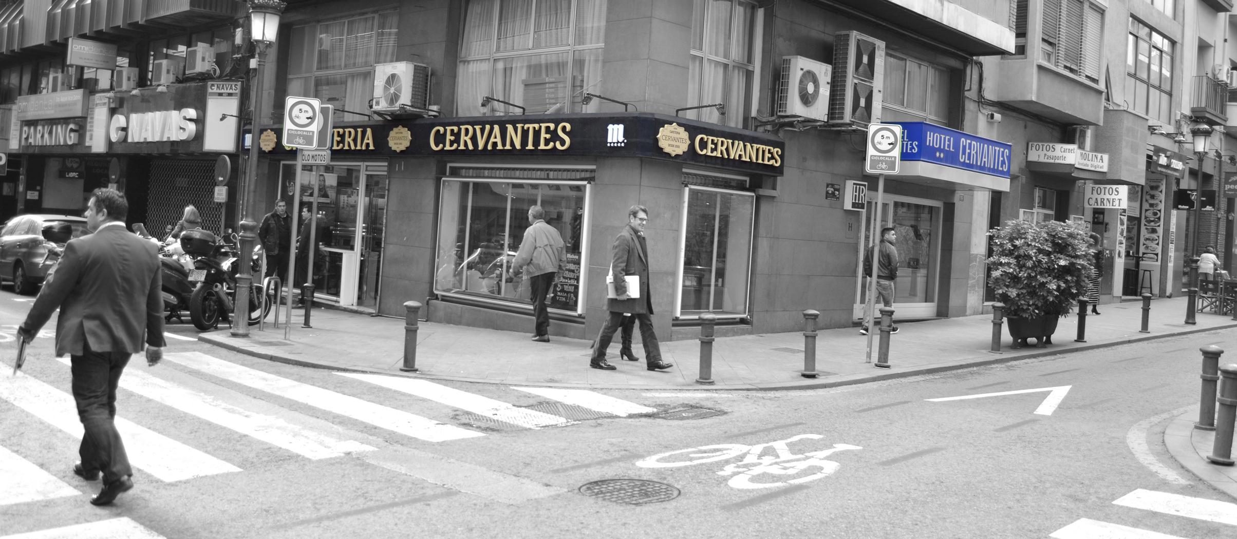 Vista de la esquina del Hotel Cervantes